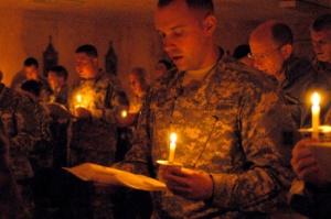American soldiers pray near modern-day Babylon